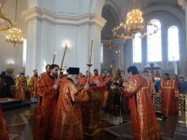 Панихида о митрополите Феодосии